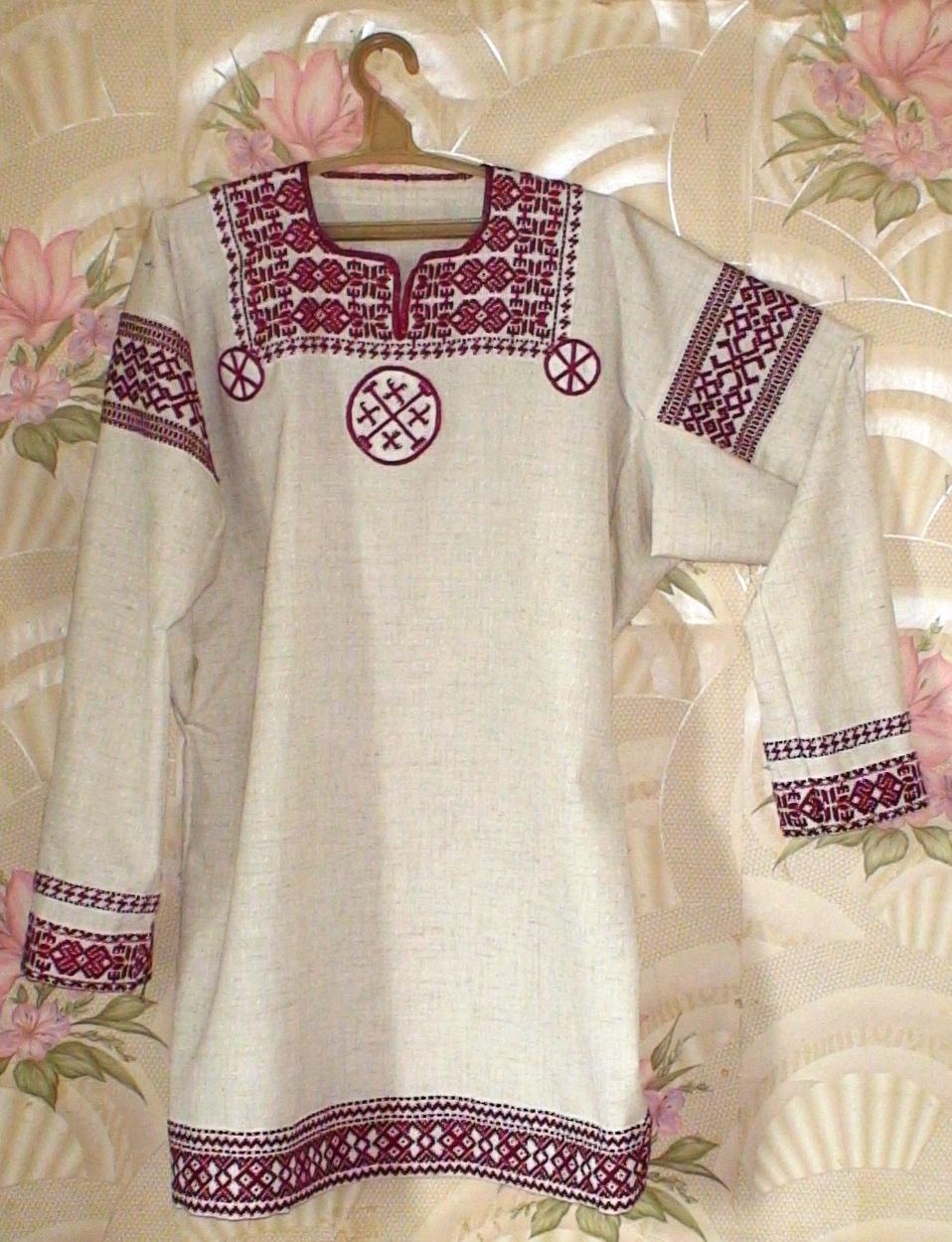 Вышивка на мужской рубахе славянская
